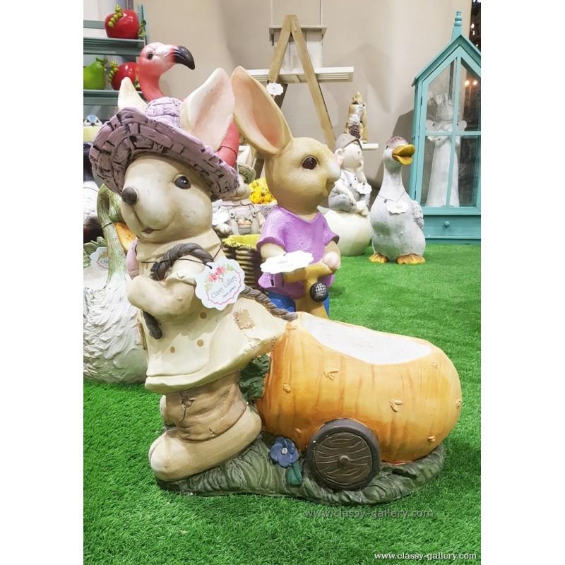 أرنب مع عربة