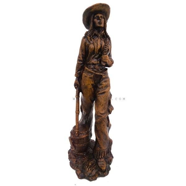 ديكور طاولة تمثال فتاة الكاوبوي