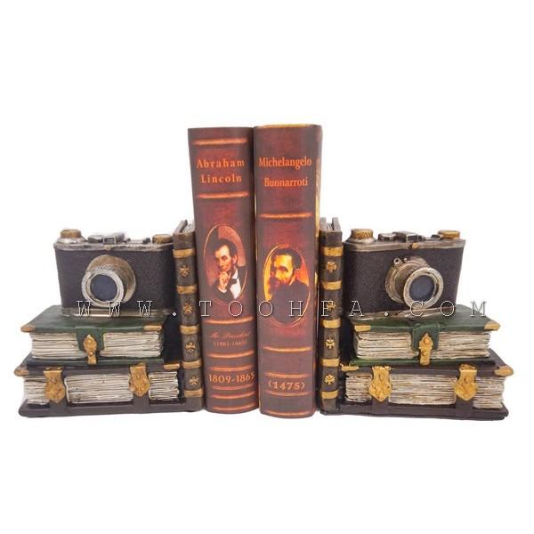 ديكور مسندة كتب بشكل كاميرا
