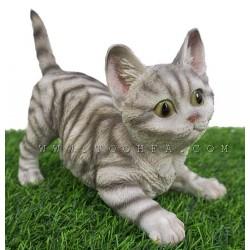 ديكور بشكل قطة رمادي