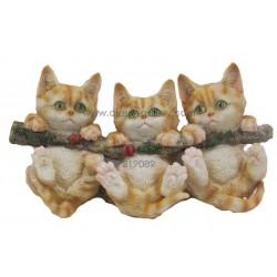 تحفة بشكل مجموعة قطط