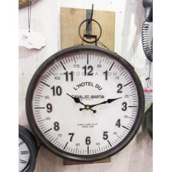 ساعة حائط دائرية
