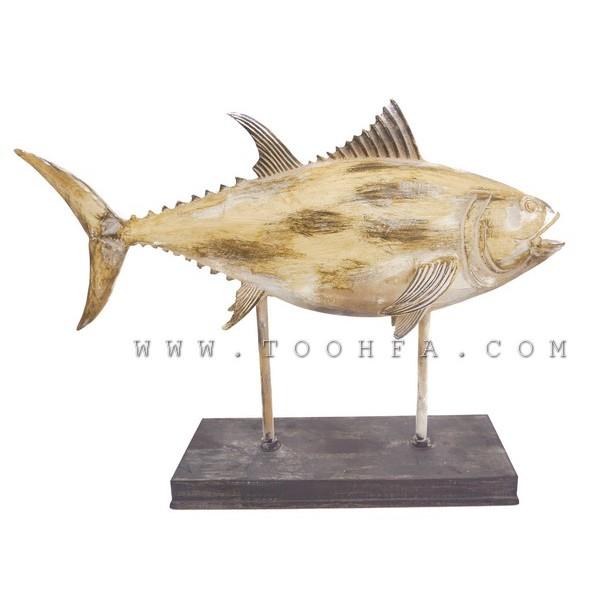 ديكور بشكل هيكل سمكة
