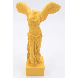 تحفة تمثال بأجنحة