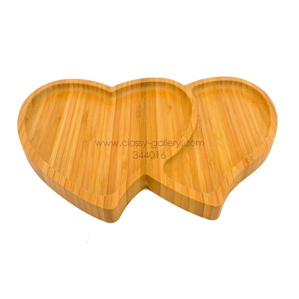 أصحن تقديم خشبية قلبين