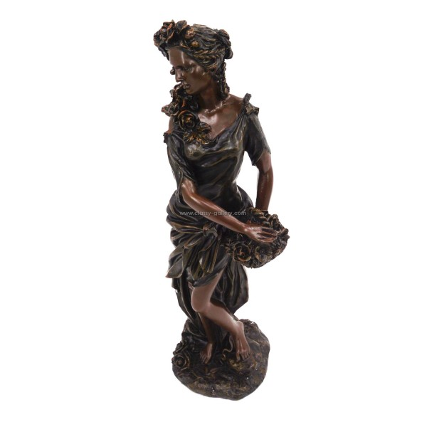 تمثال بشكل امرأة