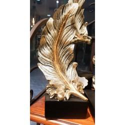 ديكور ريشة ذهبية