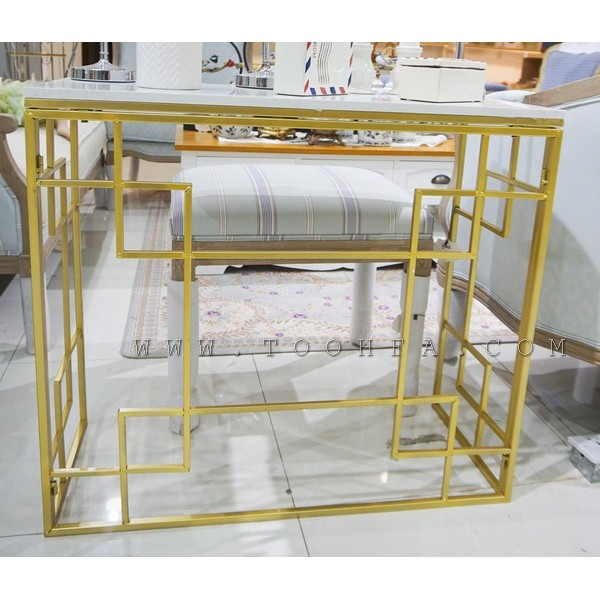 طاولات مدخل معدنية بأسطح رخامية