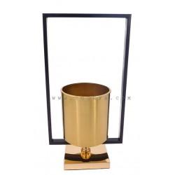 فازة معدنية ذهبية