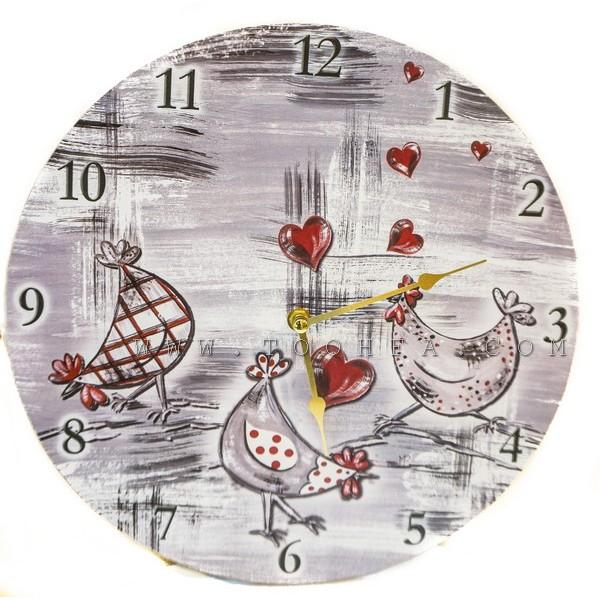 ساعة جدارية خشبية