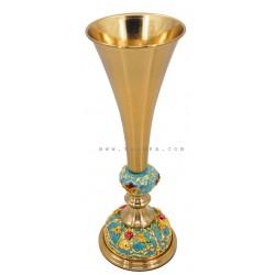 فازة معدنية بلون ذهبي وفيروزي