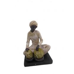 تمثال العمدة مع طبل
