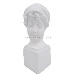 تمثال رأس فتاة
