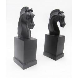 ستاند بشكل حصان شطرنج