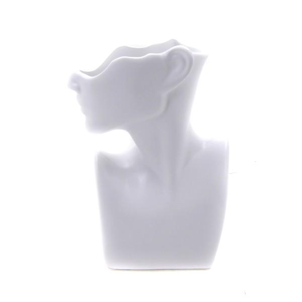 وعاء خزفي بشكل رأس إمرأة. المقاس :26.5 X 18 X 9 CM