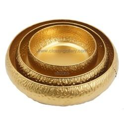 طبق تقديم معدني ذهبي