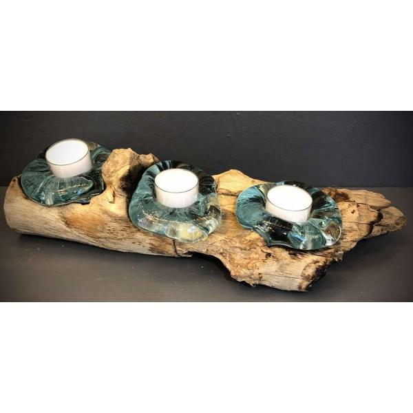 3 شمعدانات زجاجية على ستاند خشب طبيعي