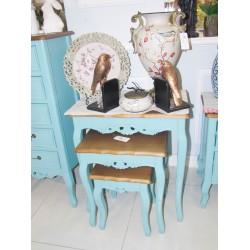 طقم طاولات تقديم -  لون أزرق  بسطح خشبي - مع زخارف