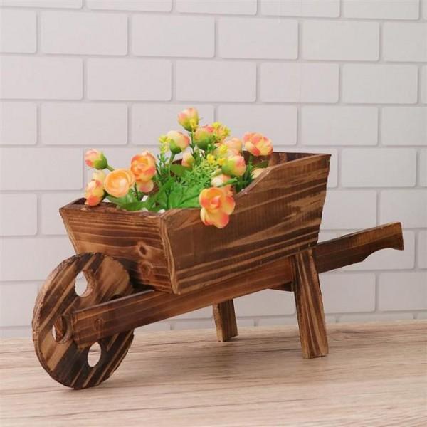 عربة حديقة خشبة