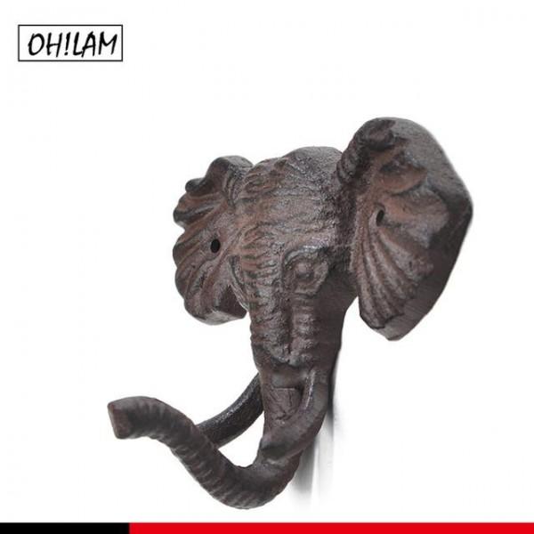 علاقة جدارية معدنية بشكل فيل